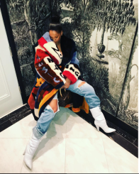 Hot-Or-Hmm-Rihanna-Fall-2018-Dolce-And-Gabbana-Fur-Coat-And-Off-White-Boots-3-800x1000