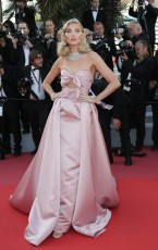 elsa-hosk-girls-of-the-sun-premiere-at-the-71st-cannes-film-festival-in-cannes-may-12-2018-3