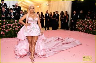 nicki-minaj-is-pretty-in-pink-gown-at-met-gala-2019-08